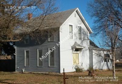 Single-family home Rental - 1150 W 8th St