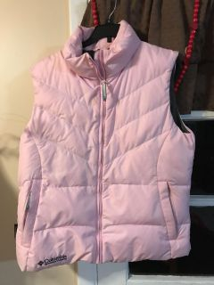 Columbia winter vest in pale pink. Very pretty. EUC size women s lg.