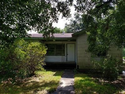 2 Bed 1 Bath Foreclosure Property in Port Arthur, TX 77642 - 22nd St