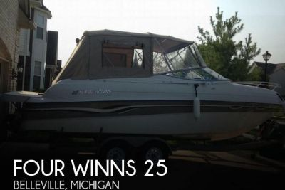 1999 Four Winns 25
