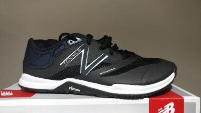 New in box Women's size 9.5 New Balance tennis shoes