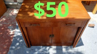 Cute pull out desk$50