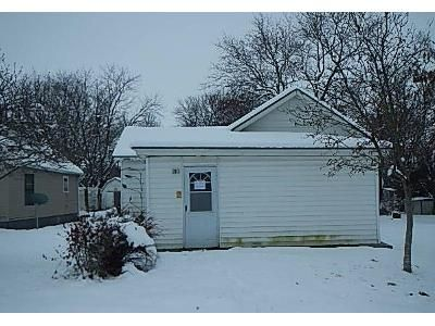 2 Bed 1 Bath Foreclosure Property in Lawson, MO 64062 - E 3rd St