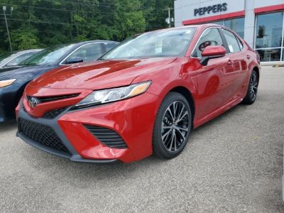 2019 Toyota Camry (Supersonic Red)