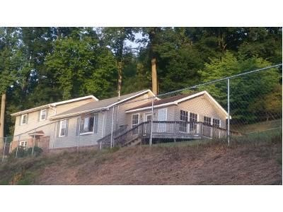 3 Bed 2.5 Bath Foreclosure Property in Kingsport, TN 37665 - Allgood Ln