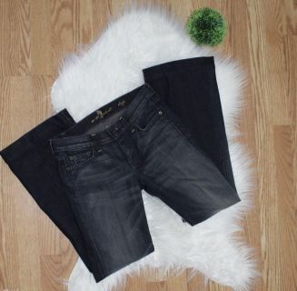 7 (Seven) Jeans, Size 26, Like New Condition!! Wide Leg Flare, Retails $200