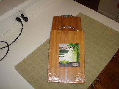 "11.8"" x 7.9"" Bamboo Cutting Board w/ Handle - Brand New in Package"