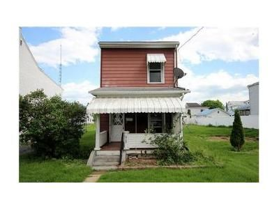 3 Bed 1 Bath Foreclosure Property in Lewistown, PA 17044 - Maple Ave