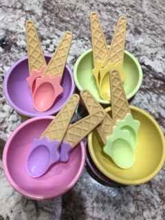 Ice Cream bowls and spoons 2 sets/4