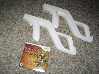 Link's Crossbow Training + 2 Zappers - Nintendo Wii