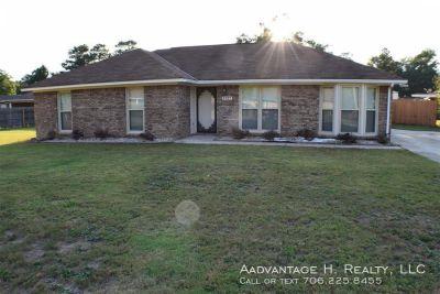 Single-family home Rental - 5727 Lexington Dr