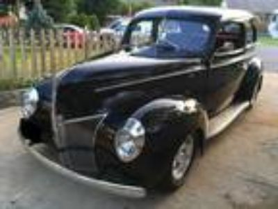 1940 Ford Tudor Standard Chrome Grill