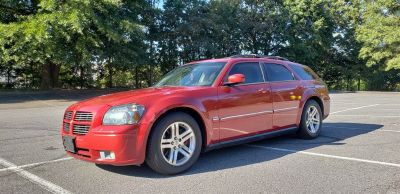 2005 Dodge Magnum RT (Red)