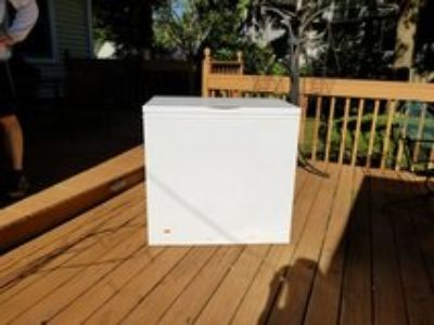 Electrolux 5 cu ft chest freezer