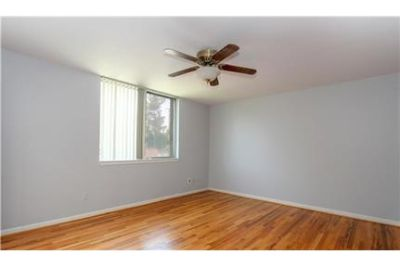 2 bedrooms Condo - Rent price includes Association Fee, Water. Single Car Garage!