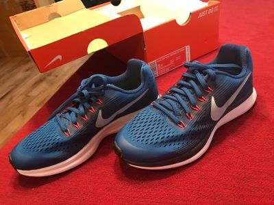 Brand New Nike Air Max Boy's Shoes Size 5Y