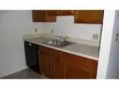 Foreclosure Condominium for sale in Wallingford CT