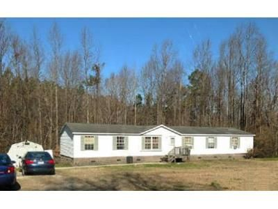 4 Bed 2 Bath Foreclosure Property in Richlands, NC 28574 - Angels Haven Ln