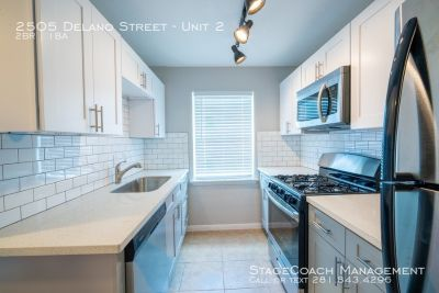 HALF OFF FIRST MONTHS RENT!! Beautiful 2 bed 1 bath just minutes from downtown, UH, and the medical center