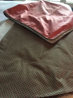 Round table cloth with square topper