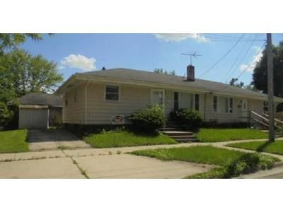 4 Bed 2 Bath Preforeclosure Property in Rockford, IL 61104 - 21st Ave