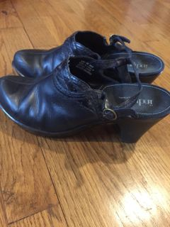 Indigo by Clark's Black Leather Buckle Mules - size 8
