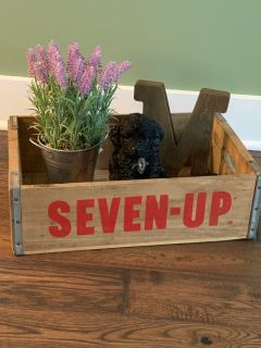 Seven up crate