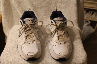 $15 Nike Air Monarch IV Men's White/Navy Cross-Trainers Shoes Size 8.5