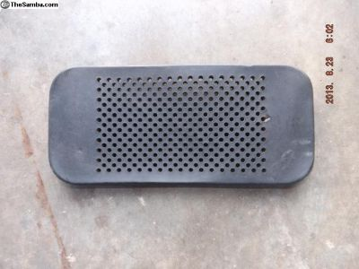 Early Porsche 911 Dash Center Speaker Grill