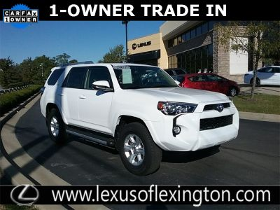 2017 Toyota 4Runner SR5 (Super White)