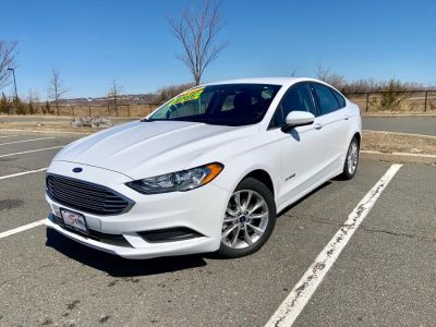 2017 Ford Fusion Hybrid SE FWD (White)