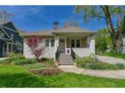 Charming Three BR home in Glen Ellyn!