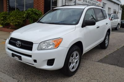 2009 Toyota RAV4 Base (Super White)
