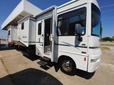 2005 Winnebago Sightseer 34A