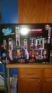 Monster High doll house (NEW)
