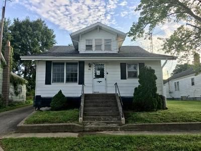 3 Bed 1 Bath Foreclosure Property in Winslow, IN 47598 - E Center St