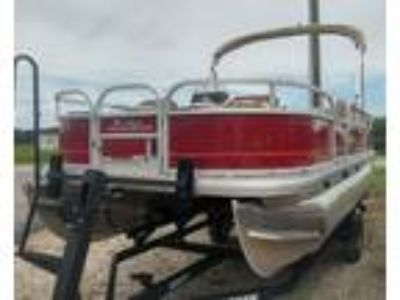 2019 Sun Tracker Bass Buggy 18 DLX