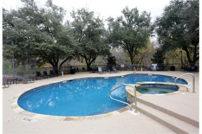 Bright Plano, 1 bedroom, 1 bath for rent. Parking Available!