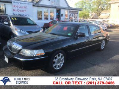 2007 Lincoln Town Car Executive L (Black)
