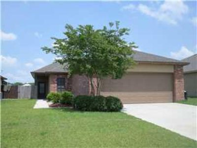 $1,500, 3br, 3 Bedroom 2 Bath Home on the Lake