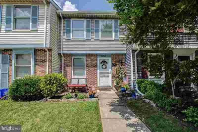9967 Valley Park Dr DAMASCUS Two BR, turn-key gem in prime