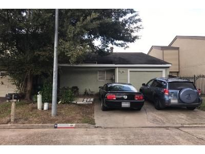 2 Bed 1.0 Bath Preforeclosure Property in Houston, TX 77041 - Field Stone Dr