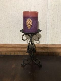Fall candle on pedestal.