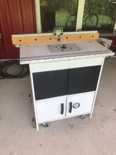Bench Dog Tools Router Cabinet w/router