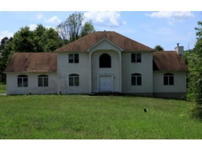 4 Bed 3.5 Bath Foreclosure Property in Goshen, NY 10924 - Wynthrop Manor Dr