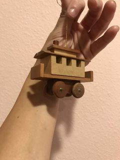 Vintage 1978 Gibson wooden train ornament great condition!!!! Ppu only