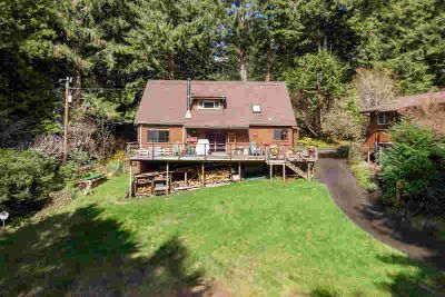 60 Inga Road Arcata Three BR, Custom home just outside city
