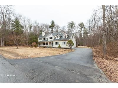 3 Bed 2.5 Bath Foreclosure Property in Bloomingburg, NY 12721 - Leeward Dr