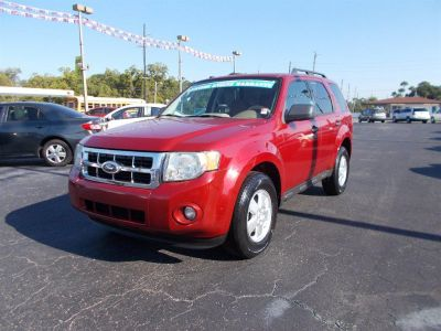 2010 Ford Escape XLT (Red)