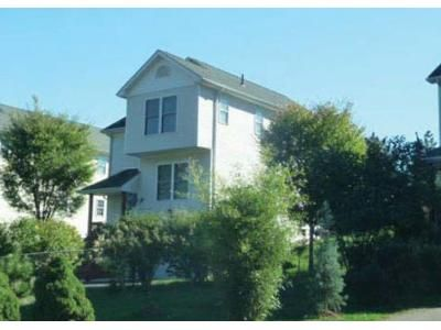 3 Bed 2.5 Bath Foreclosure Property in Hartford, CT 06106 - Brookfield St
